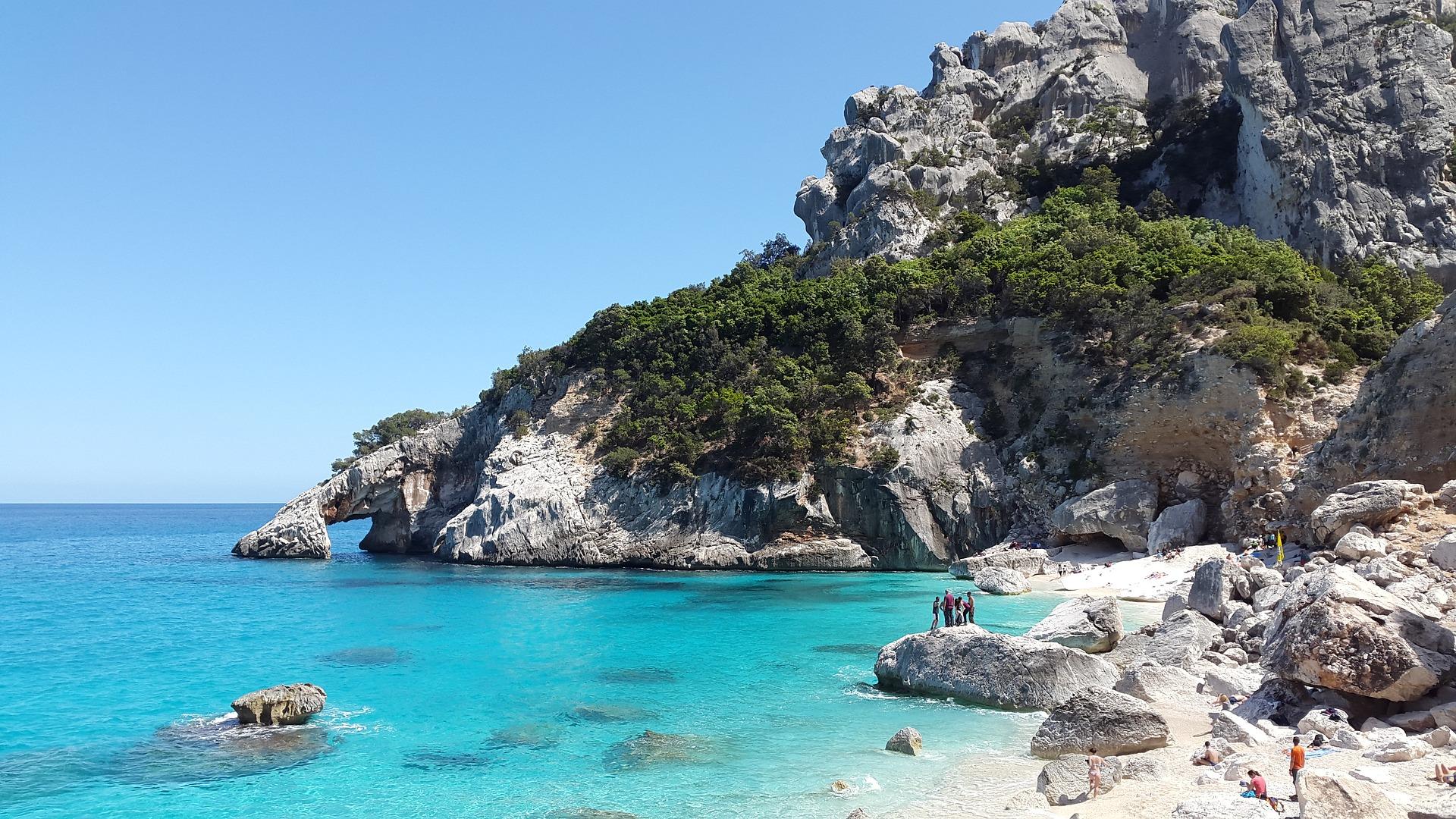 Czy warto wybrać wakacje na Sardynii?
