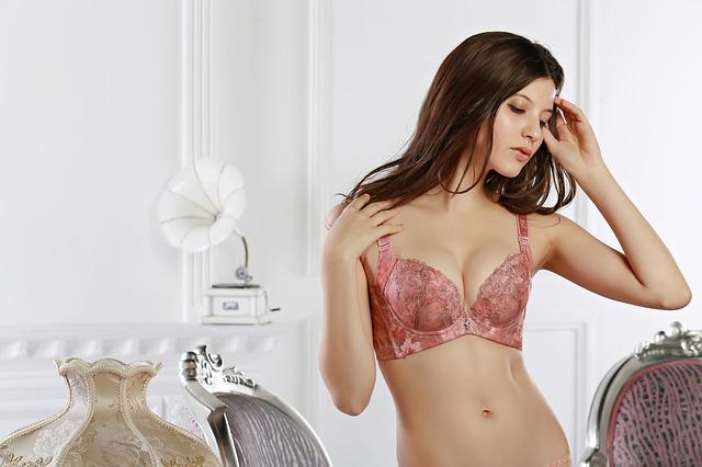 Et tøj, der vil stimulere fantasien. Hvilken erotisk lingeri skal du vælge?