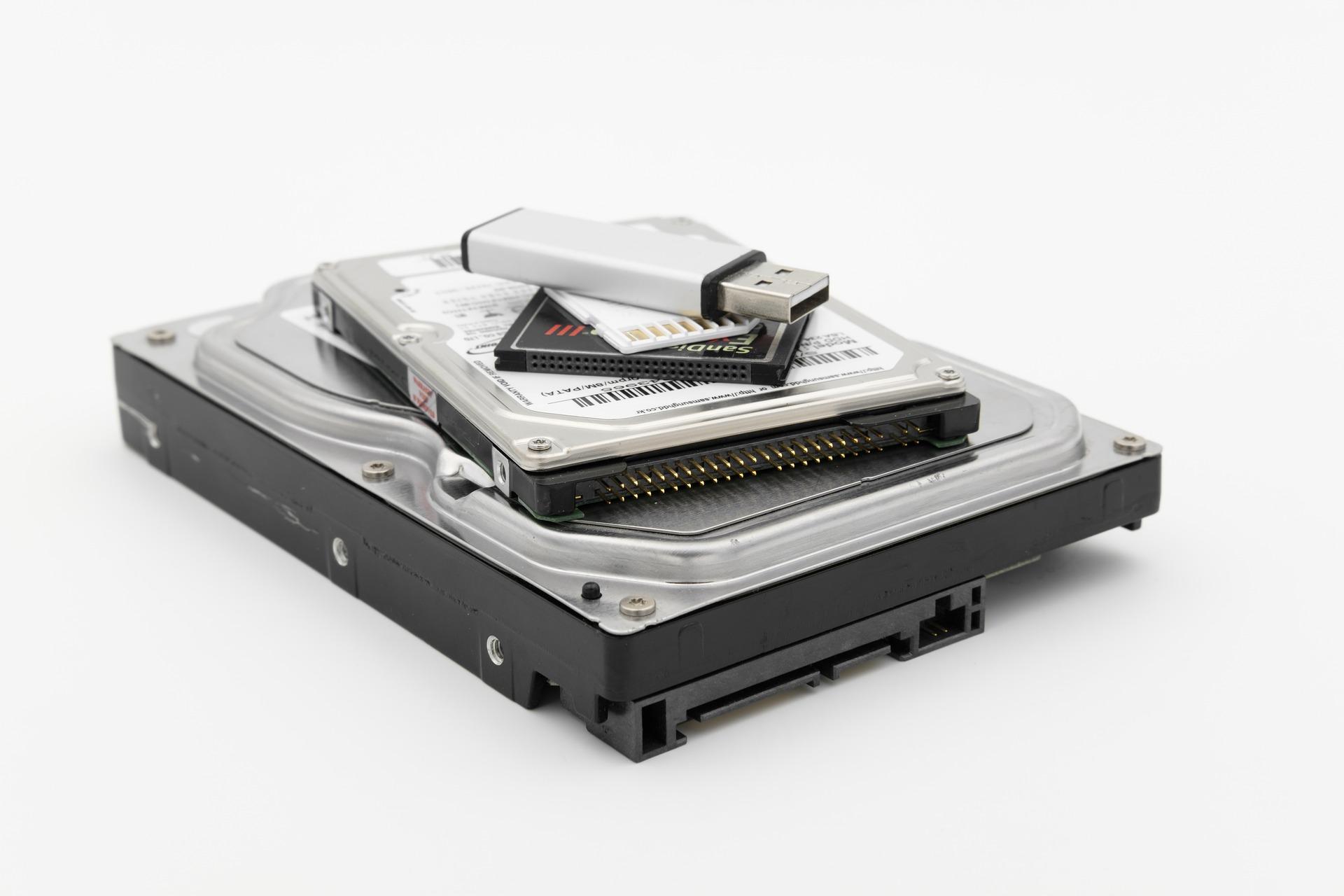 Dysk SSD – czy warto go mieć?
