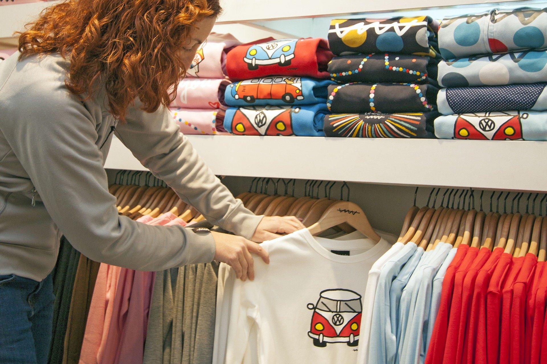 Koszulki z własnym nadrukiem- sposób na indywidualność?
